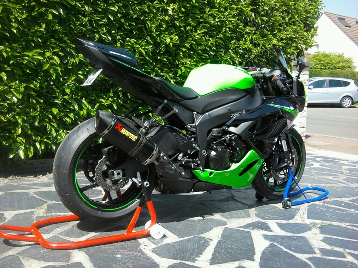 zx6r k10 noir et vert 000511