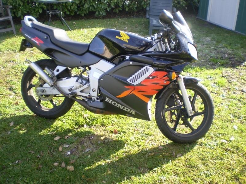 Présentation de ma moto P1040010