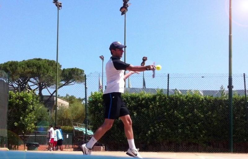 Dritto a sventaglio di Federer - Pagina 3 310