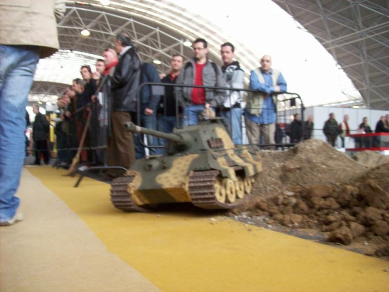 La Storia sulla diffusione dei carri armati in scala 1-16 in Italia. - Pagina 2 100_9012