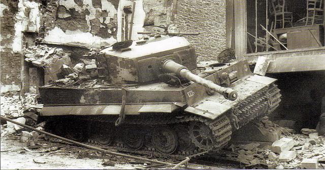 La Storia sulla diffusione dei carri armati in scala 1-16 in Italia. - Pagina 8 121b10