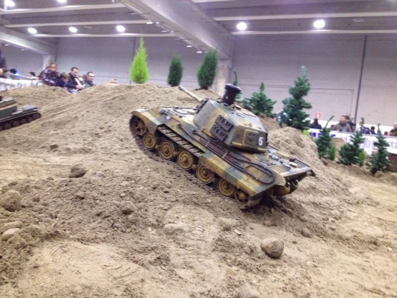 La Storia sulla diffusione dei carri armati in scala 1-16 in Italia. - Pagina 4 2015mo15