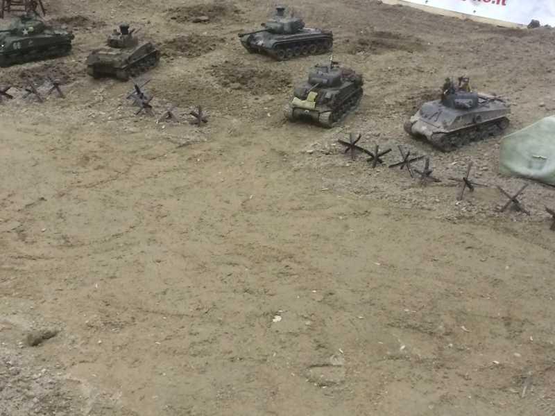 La Storia sulla diffusione dei carri armati in scala 1-16 in Italia. - Pagina 4 2015mo20