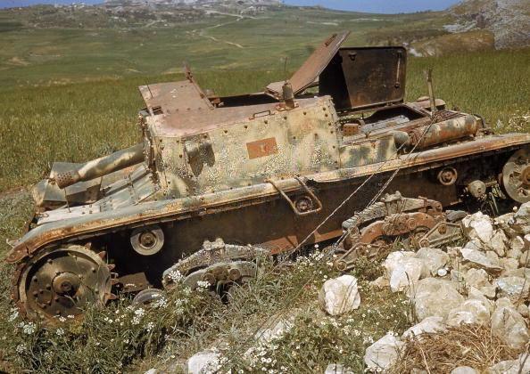 Carro armato italiano M40/75-18 - Pagina 10 Aef43211