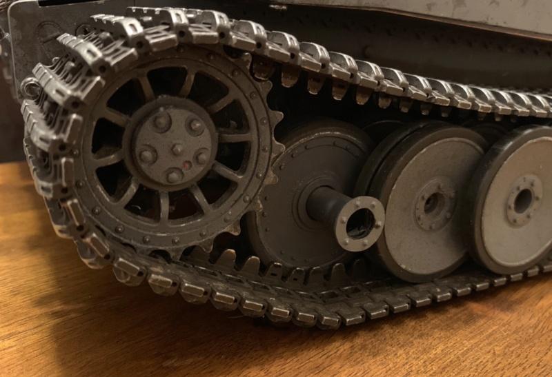 La Storia sulla diffusione dei carri armati in scala 1-16 in Italia. - Pagina 9 Bd96b710