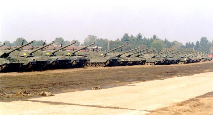 La Storia sulla diffusione dei carri armati in scala 1-16 in Italia. - Pagina 2 Bellin11