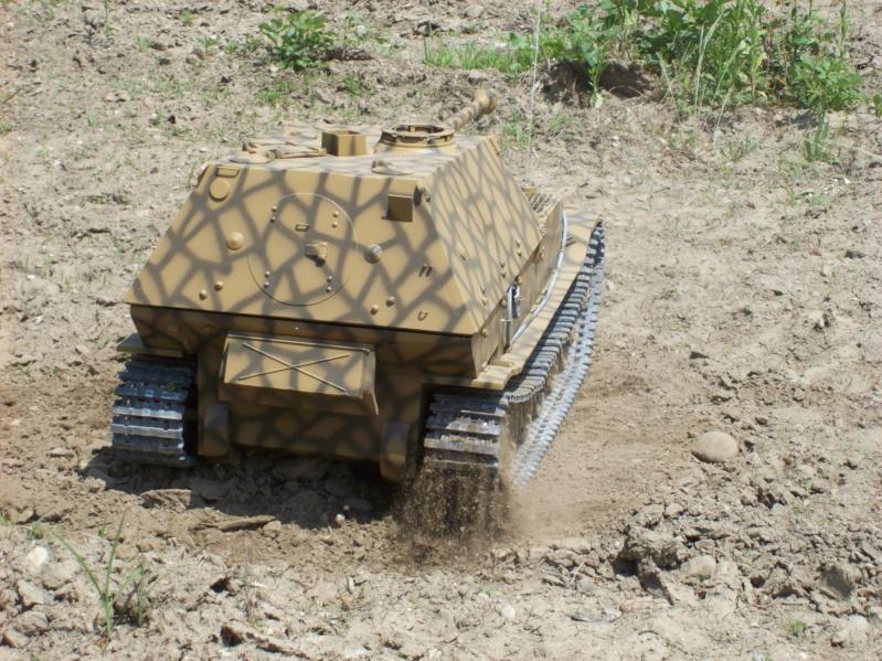 La Storia sulla diffusione dei carri armati in scala 1-16 in Italia. - Pagina 6 Bellin64