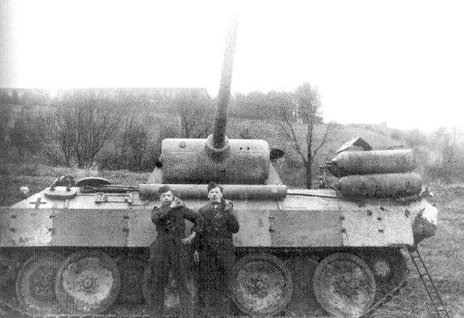 La Storia sulla diffusione dei carri armati in scala 1-16 in Italia. - Pagina 5 Fahrsc11