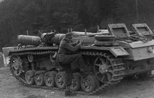 La Storia sulla diffusione dei carri armati in scala 1-16 in Italia. - Pagina 9 Fahrsc15