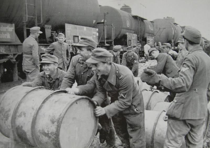 La Storia sulla diffusione dei carri armati in scala 1-16 in Italia. - Pagina 9 Fust_t10