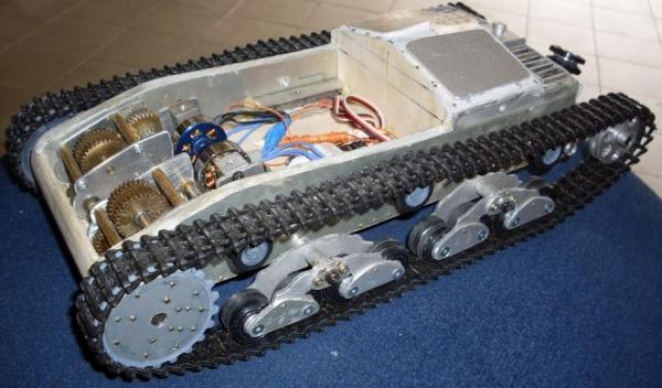 Carro armato italiano M40/75-18 - Pagina 3 Semove11