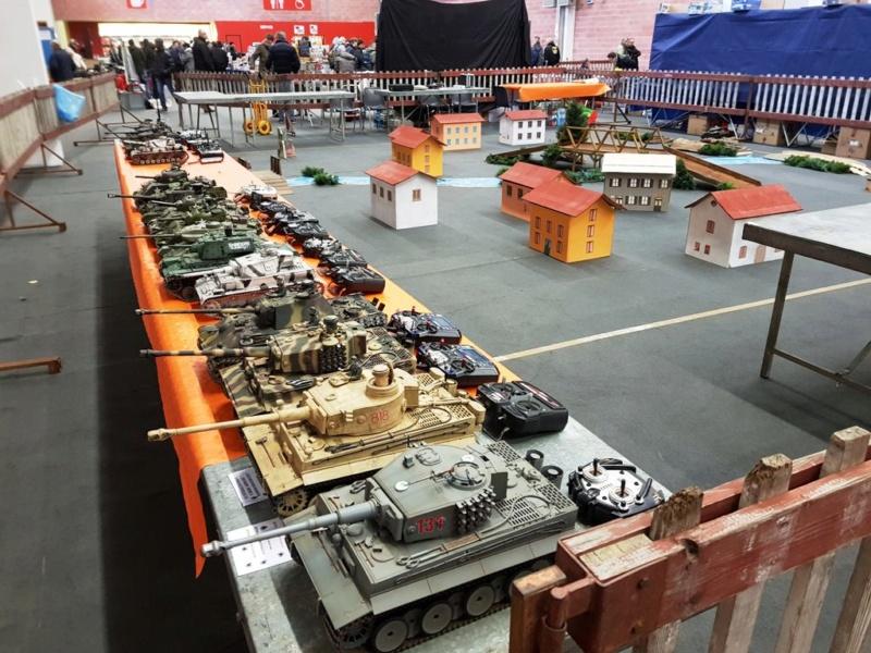 La Storia sulla diffusione dei carri armati in scala 1-16 in Italia. - Pagina 5 Yh6yws10