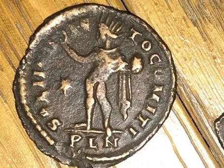 Follis réduit de Constantin I Romain10