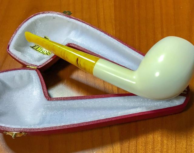 Les pipes du Marseillais  B24d8d10