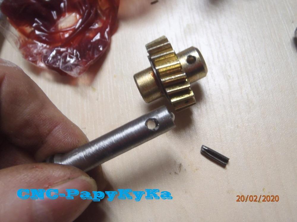 PapyKy, Répare le motoreducteur de siège électrique S4. P2201327