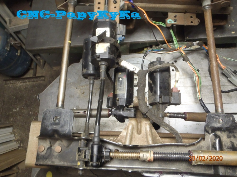 PapyKy, Répare le motoreducteur de siège électrique S4. P2201333