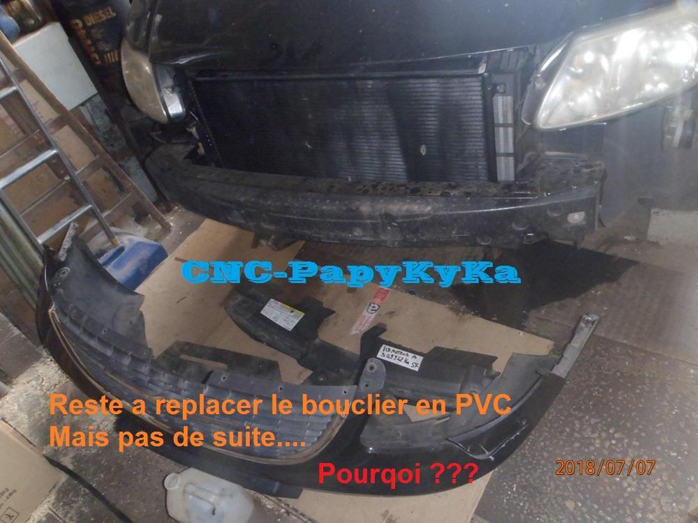 PapyKy remplace les courroies distribution & accésoires. P7070237