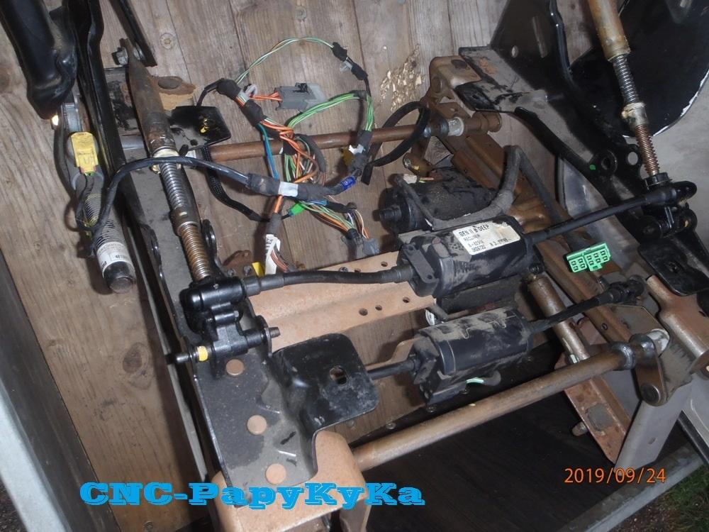 PapyKy, Répare le motoreducteur de siège électrique S4. P9241116