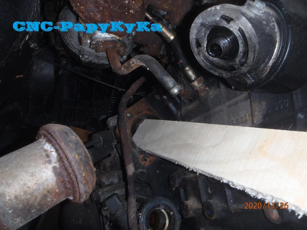 PapyKy démonte une poulie vibrequin 2.500 cc TD Pb261314