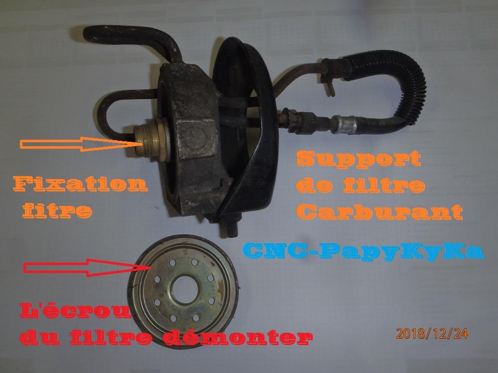 PapyKy a démonter un filtre a carburant diesel S2 Pc240310