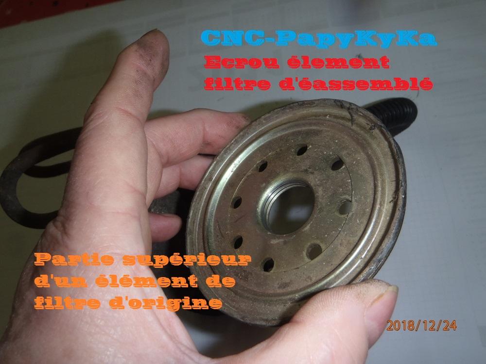 PapyKy a démonter un filtre a carburant diesel S2 Pc240414