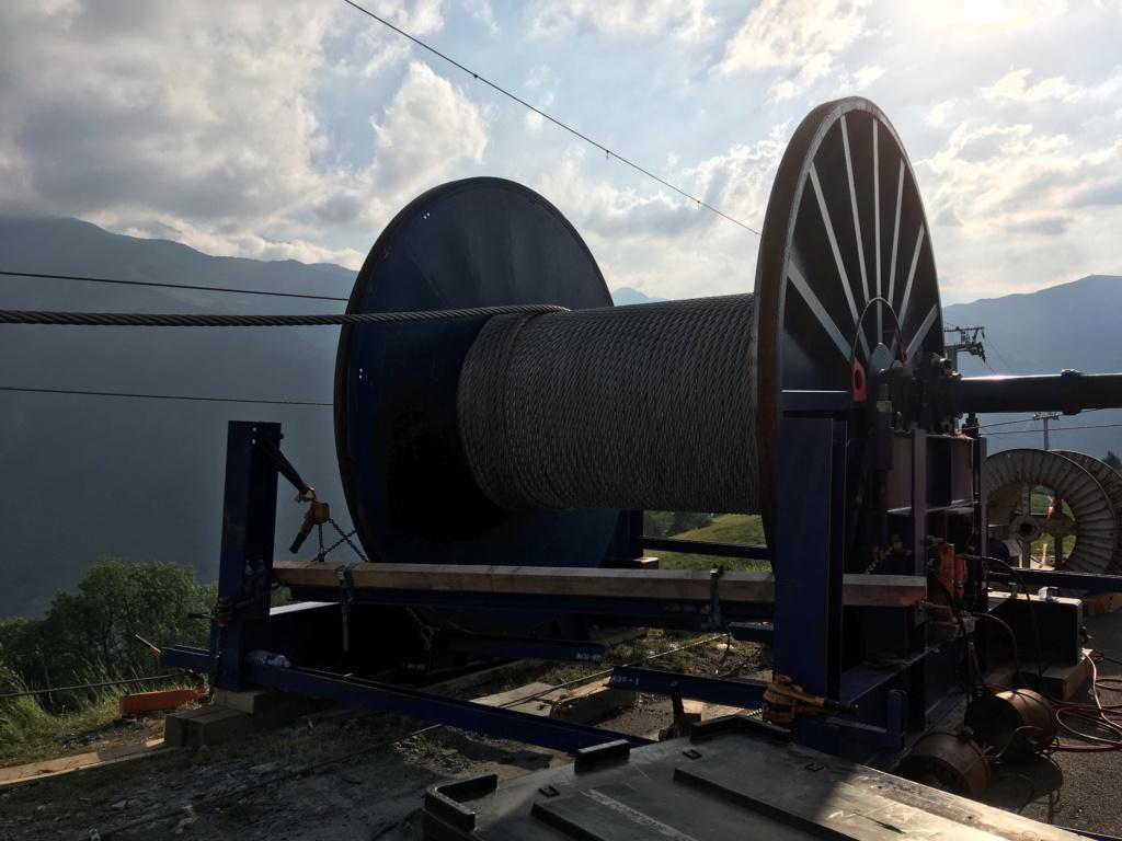 Construction Télécabine débrayable 10 places (TCD10) Peyragudes - Loudenvielle - Page 4 54240710