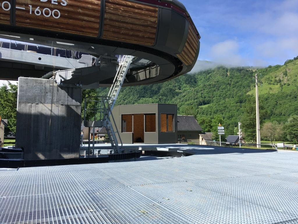 Construction Télécabine débrayable 10 places (TCD10) Peyragudes - Loudenvielle - Page 4 85835610
