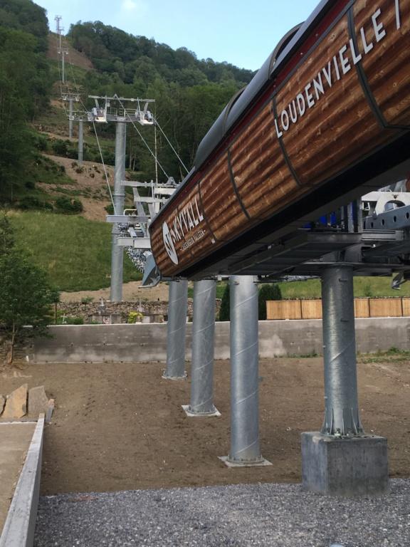 Construction Télécabine débrayable 10 places (TCD10) Peyragudes - Loudenvielle - Page 4 C833a410