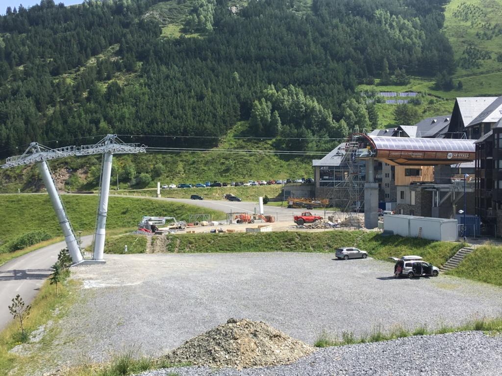 Construction Télécabine débrayable 10 places (TCD10) Peyragudes - Loudenvielle - Page 4 Cf2dda10