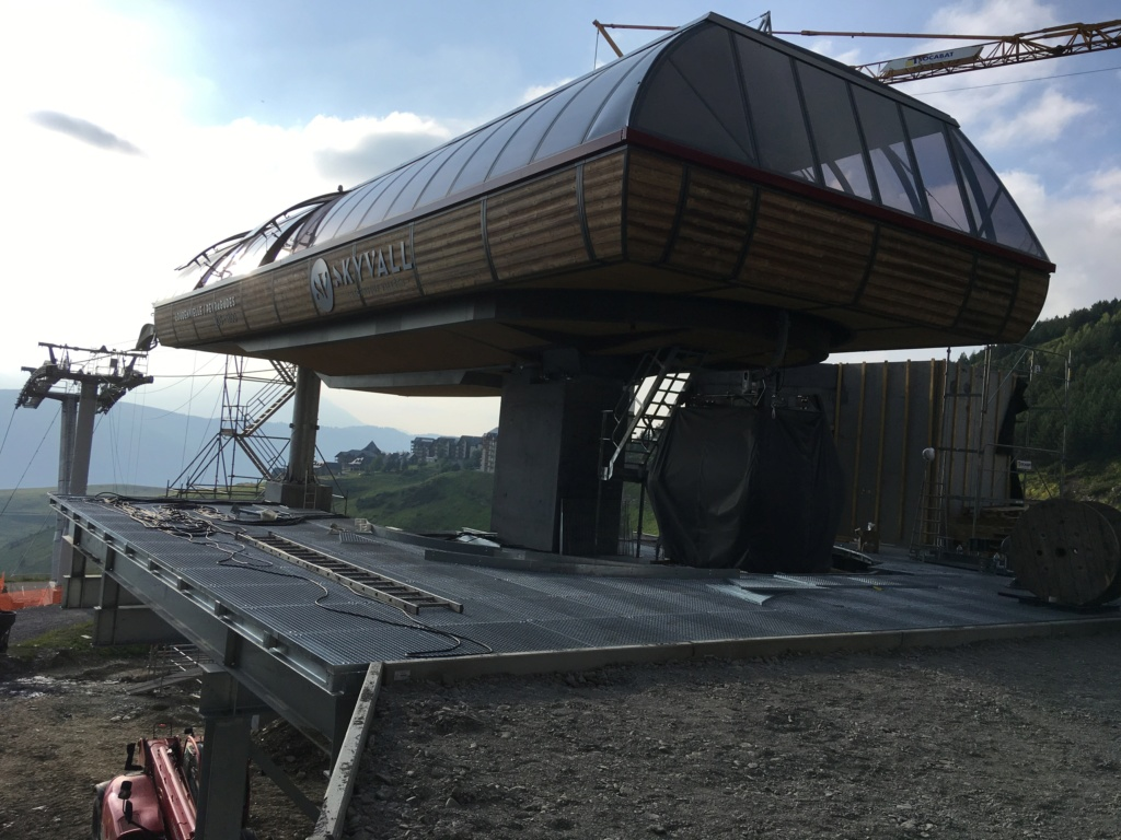Construction Télécabine débrayable 10 places (TCD10) Peyragudes - Loudenvielle - Page 4 F9996410