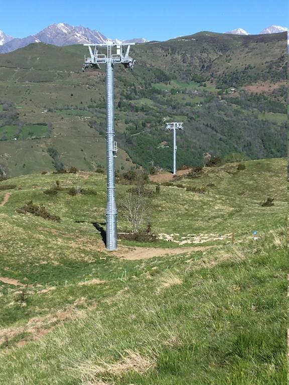 Construction Télécabine débrayable 10 places (TCD10) Peyragudes - Loudenvielle - Page 3 Fc242d10