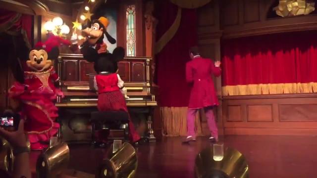 [Nouveau] Prenez le goûter avec Mickey, Dingo et Minnie au Lucky Nugget Saloon 2018-011