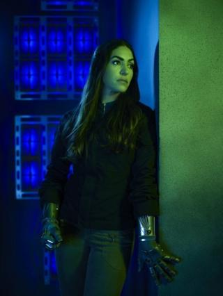Les Agents du S.H.I.E.L.D [ABC/Marvel - 2013] - Page 9 D344ej10