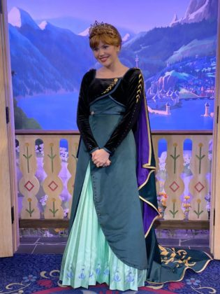 Célébration de la Reine des Neiges (du 11 janvier au 13 mars 2020) - Page 6 Elsa-a11