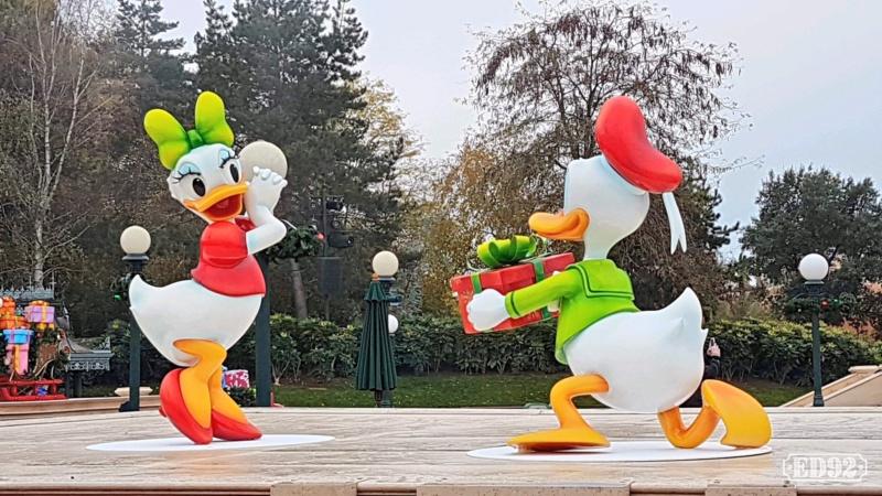 [Saison] Le Noël Enchanté Disney : une célébration Mickeyfique (2018-2019) - Page 7 Img_2042