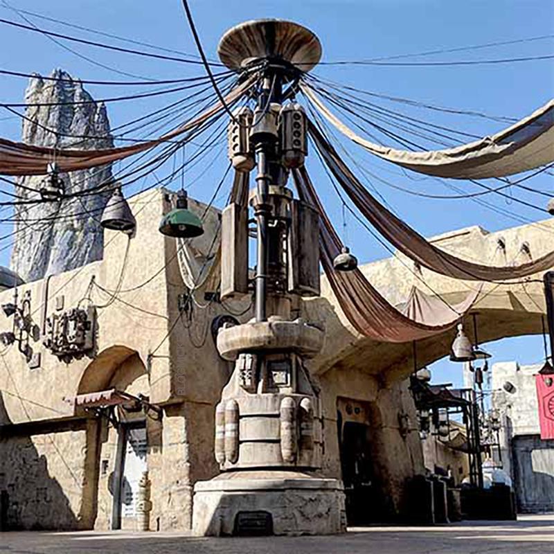 [Disneyland Park] Star Wars: Galaxy's Edge (31 mai 2019) - Page 37 V151010