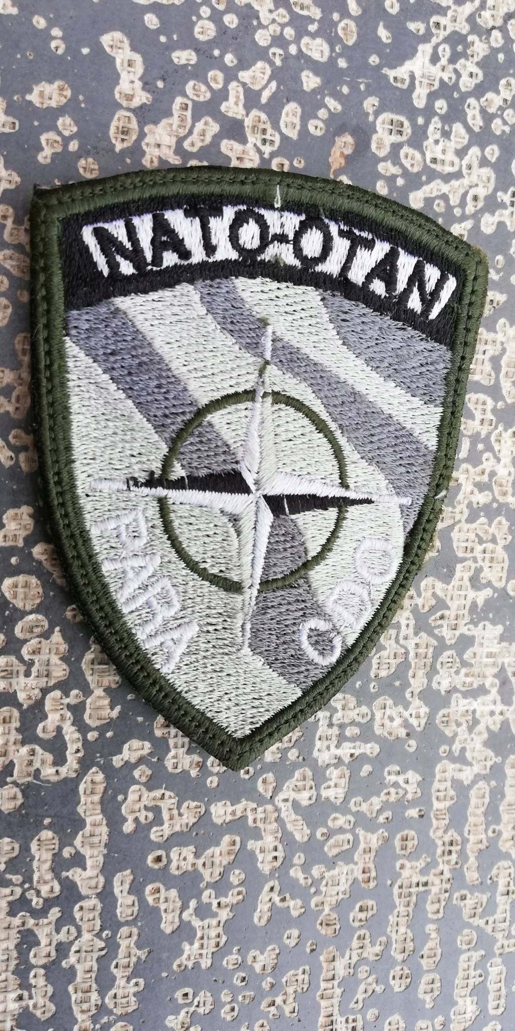INSIGNES BELGES * MISSION EXTERIEURE OTAN ISAF ONU KFOR ISFOR SFOR ... Img_2287