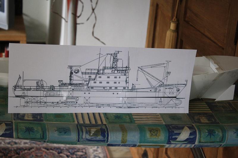 OGS  EXPLORA  Ein Forschungsschiff M 1: 100, nicht von Pappe  - Seite 2 Img_0286
