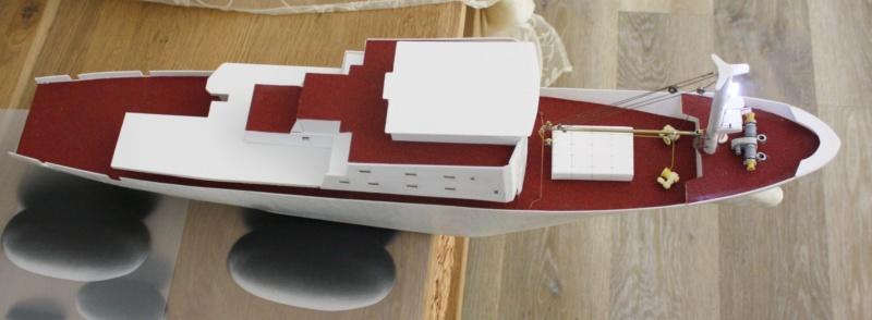 OGS  EXPLORA  Ein Forschungsschiff M 1: 100, nicht von Pappe  - Seite 6 Img_0353