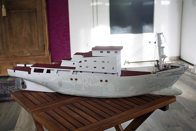 OGS  EXPLORA  Ein Forschungsschiff M 1: 100, nicht von Pappe  - Seite 7 Img_0360