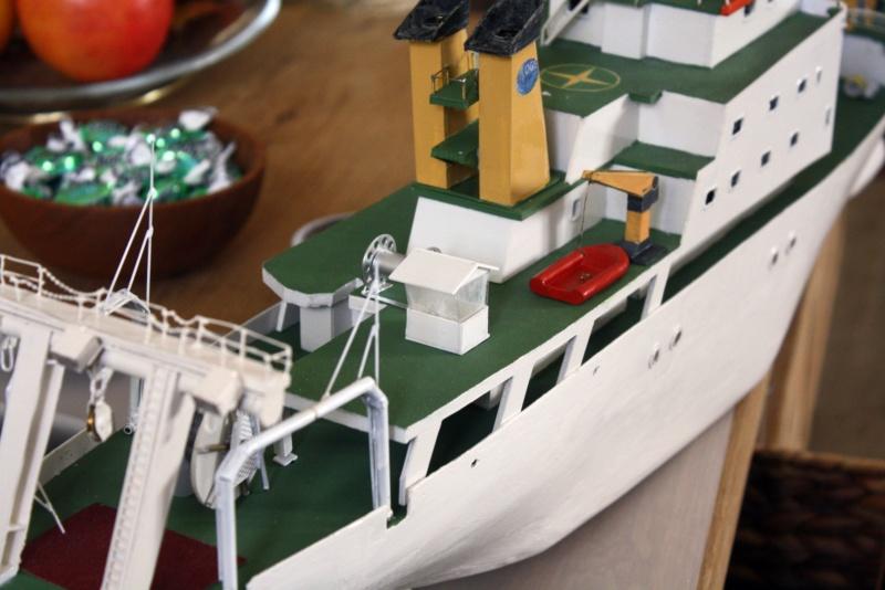 OGS  EXPLORA  Ein Forschungsschiff M 1: 100, nicht von Pappe  - Seite 10 Img_0429