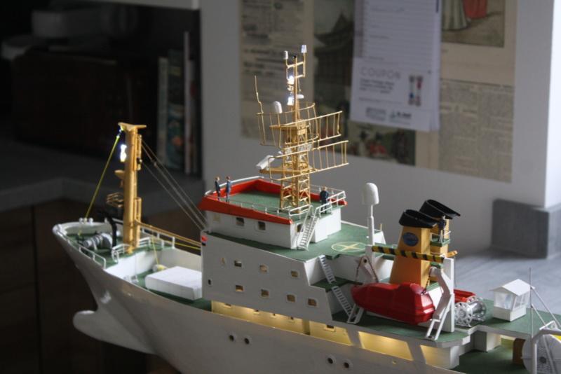 OGS  EXPLORA  Ein Forschungsschiff M 1: 100, nicht von Pappe  - Seite 10 Img_0432