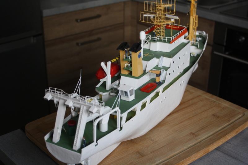 OGS  EXPLORA  Ein Forschungsschiff M 1: 100, nicht von Pappe  - Seite 10 Img_0434