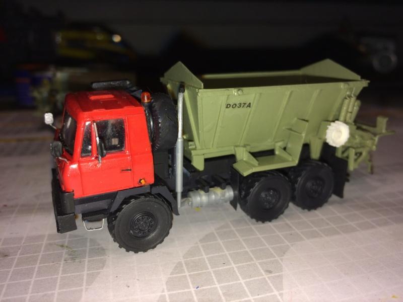 Tatra mit D037 Streuer Img_3911