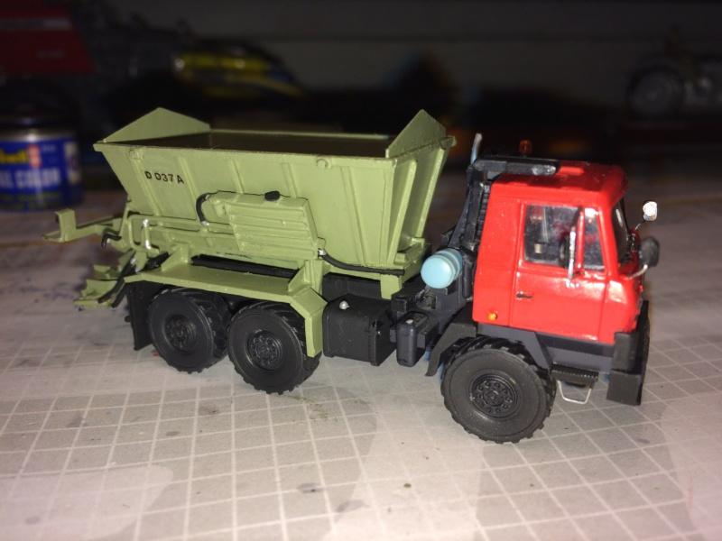 Tatra mit D037 Streuer Img_3912