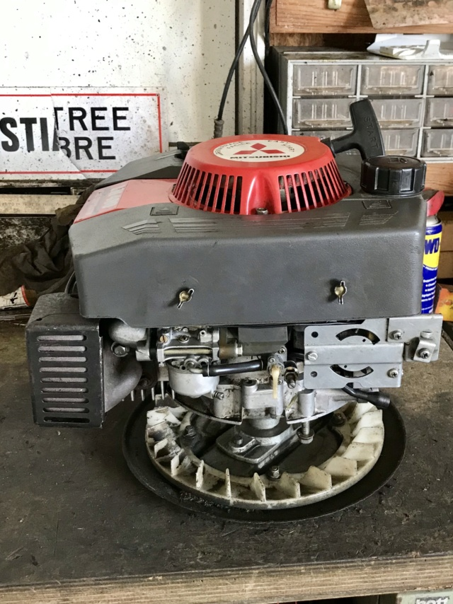 moteur - Démontage moteur honda pour changement de coque tondeuse  Img_2110