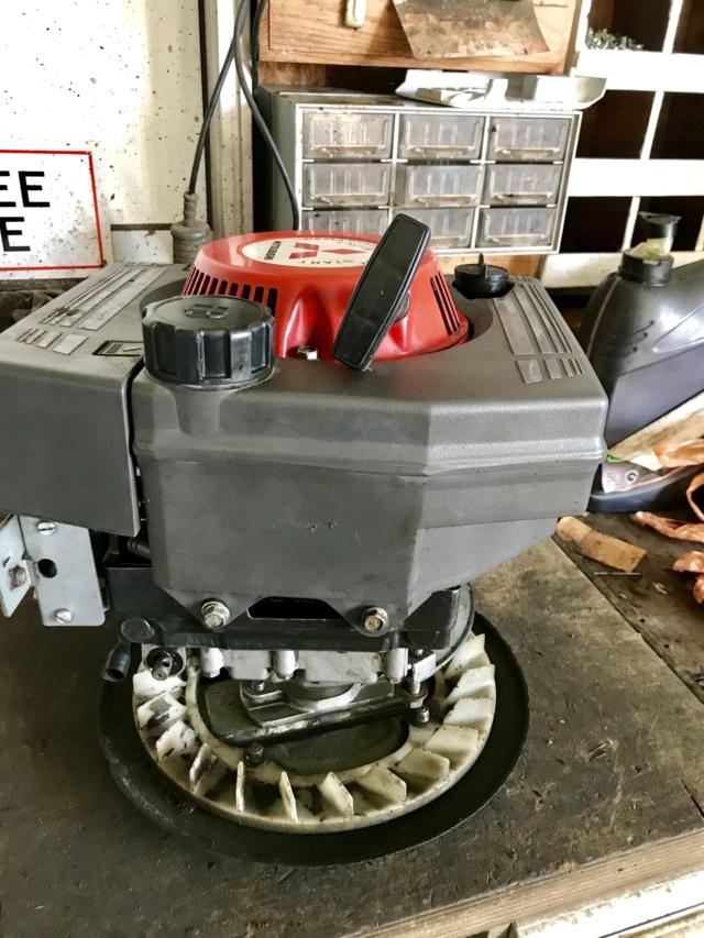 moteur - Démontage moteur honda pour changement de coque tondeuse  Img_2112