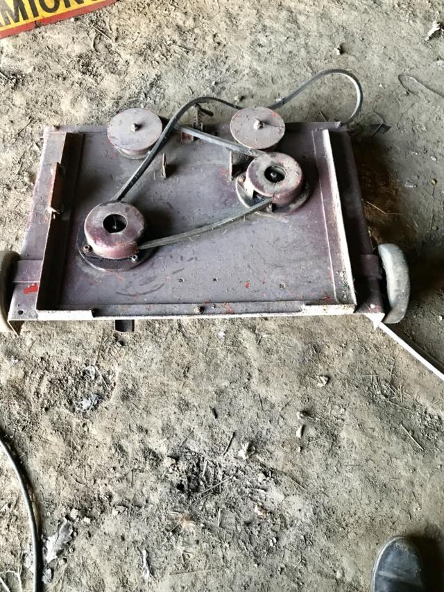 (vend ) plateau tondeuse motostandard , et faucheuse boyer ) Img_2512