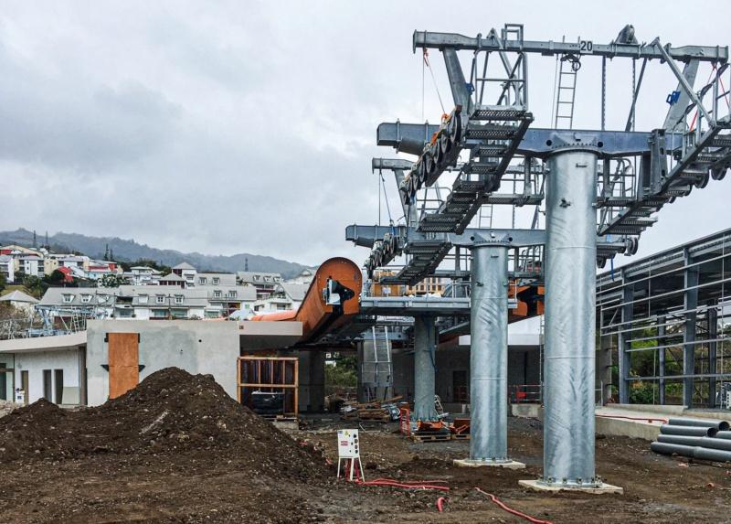 Construction télécabine débrayable 10 places (TCD10) La Réunion CINOR 12576110