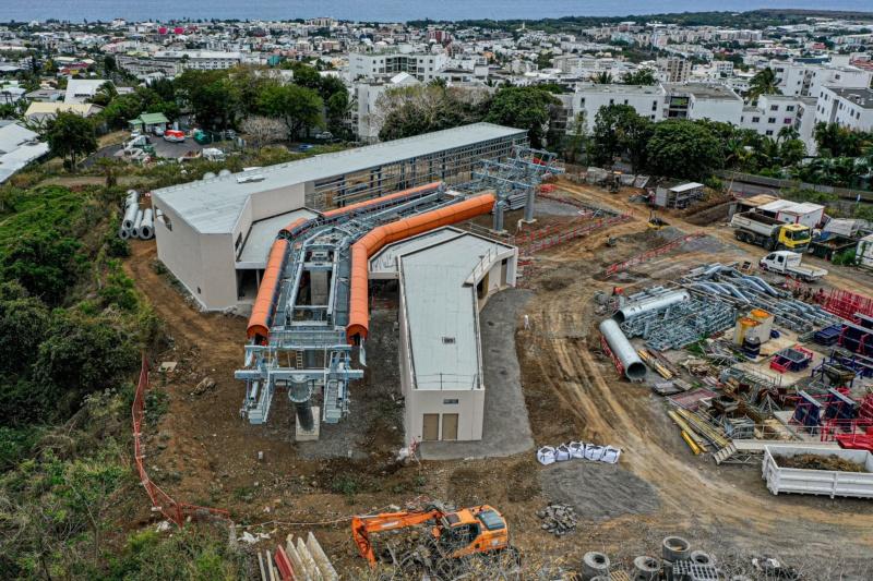 Construction télécabine débrayable 10 places (TCD10) La Réunion CINOR 12690811